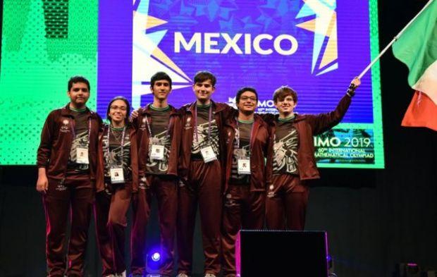Equipo mexicano de matemáticas.