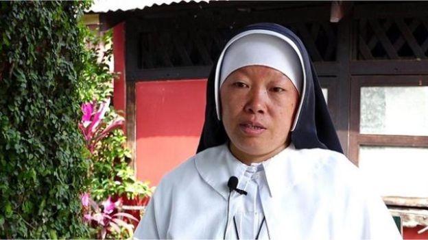 La monja Ann Rose Nu Tawng, durante una entrevista de la BBC.