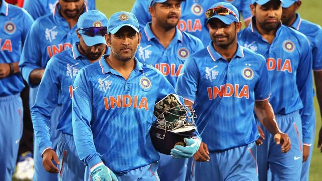 history of mahendra singh dhoni in tamil