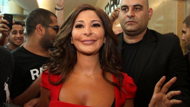 الفنانة إليسا تكشف عن تعافيها من سرطان الثدي Bbc News Arabic