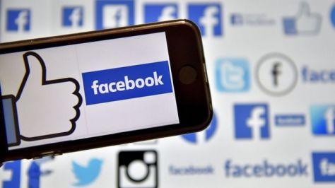 エジプト政府はフェイスブックなどソーシャルメディアで「フェイクニュース」を広めたとして、反政府活動家を逮捕してきた