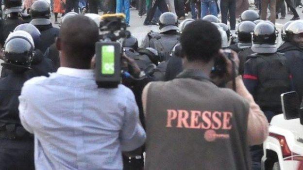 De Dakar à Ouagadougou, de Lomé à Libreville, de Cotonou à Yaoundé, la presse vit son covid-19.