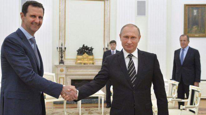 Os presidentes da Síria, Bashar al-Assad, e Rússia, Vladimir Putin