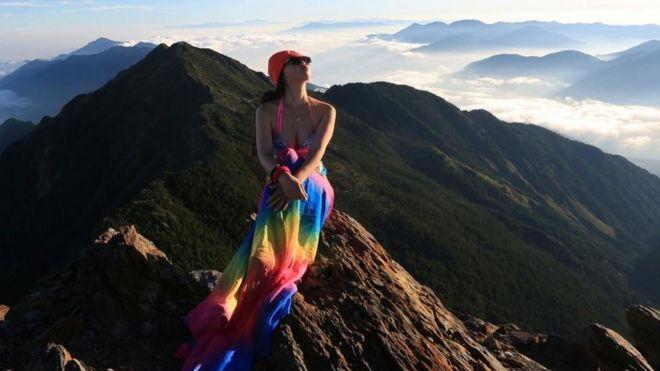 وفاة متسلقة الجبال بـالبكيني متجمدة من البرودة في تايوان