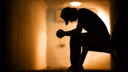 Jovem depressivo
