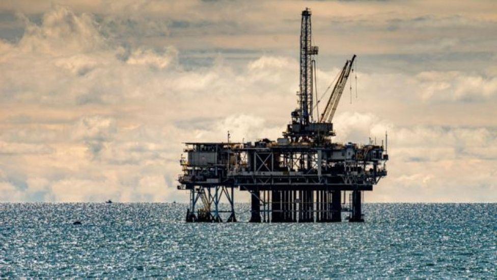 Plate-forme pétrolière en Californie