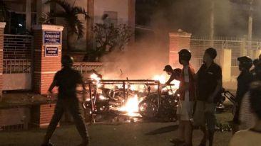 Resulta ng larawan para sa anti china protest vietnam riot