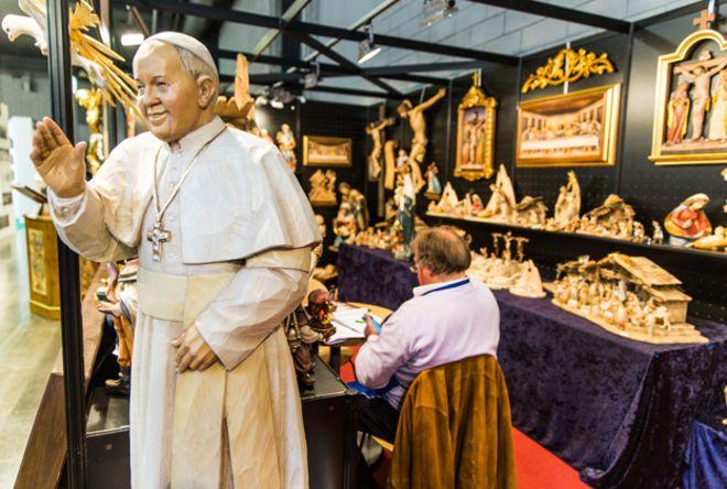 Estatua del Papa