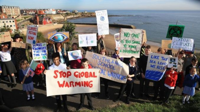 Pupils protesting in Cullercoats