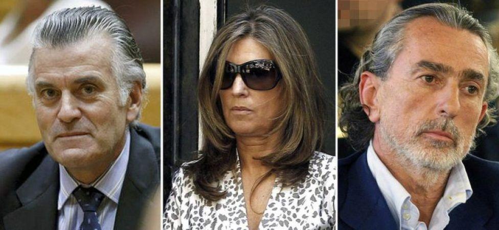 De izquierda a derecha: Bárcenas, su mujer (quien también estuvo implicada en el caso), y Francisco Correa.