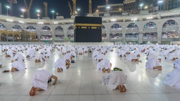 Foreign Muslims finally return to Mecca for Umrah pilgrimage