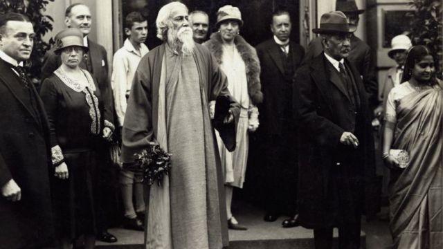 ১৯১৩ সালে নোবেল পুরস্কার পাবার পর।