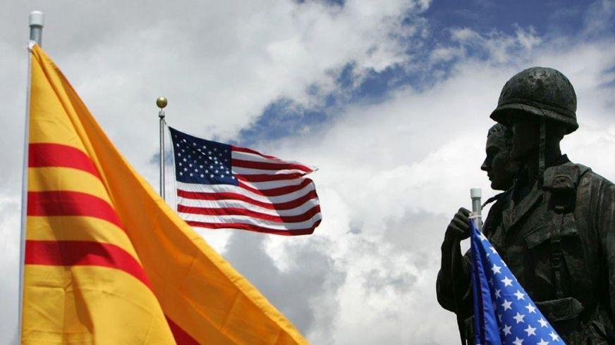 Cộng đồng Việt tại California và lá cờ vàng ba sọc đỏ của VNCH
