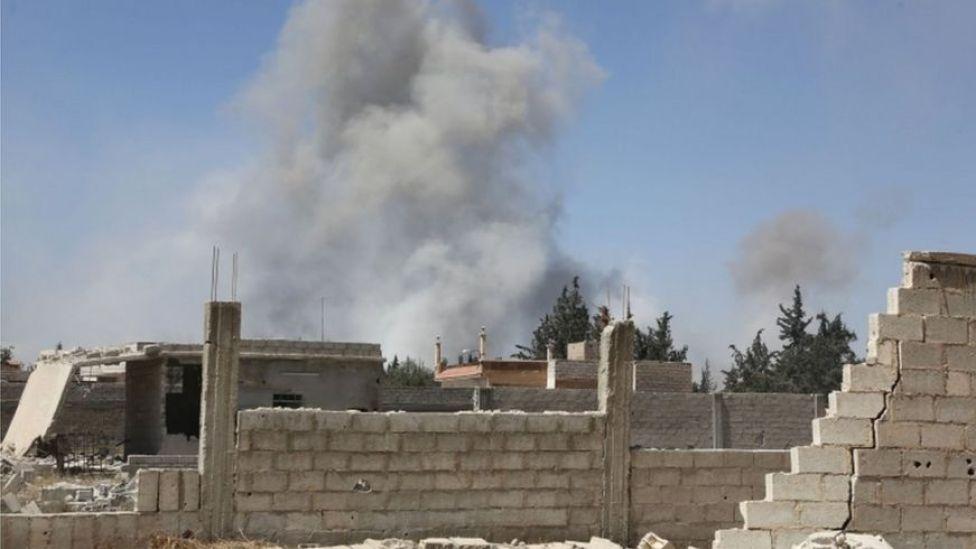 Humaredas en la ciudad de Douma, el último lugar controlado por la oposición en Guta oriental en Siria.