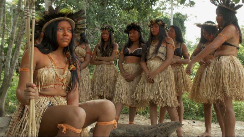 Suku Wanita Amazon