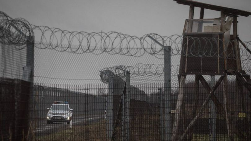 Police patrol the Hungarian border fence with Serbia on 18 January, 2019