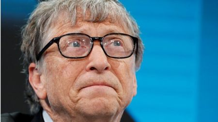 Bill Gates Steps Down From Microsoft Board To Focus On Philanthropy - BBC  News