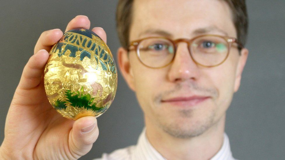 Greg Bateman and the Conundrum gold egg (2021)