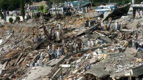 Kashmir earthquake: Broken city, broken promises - BBC News