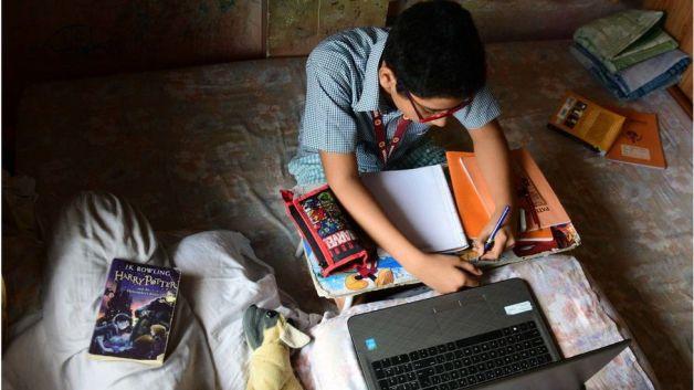 India coronavirus: Online classes expose extent of digital divide - BBC News