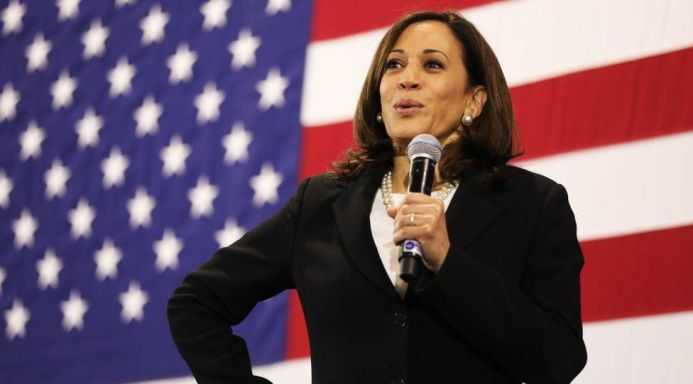 Biden's VP pick: Why Kamala Harris embraces her biracial roots - BBC News
