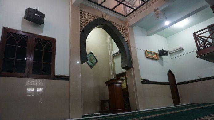 Masjid dan gereja di Solo