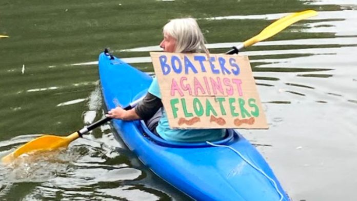 Boaters against floaters sign
