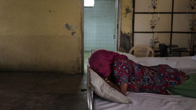 The forgotten women in an Indian mental health ward - BBC News