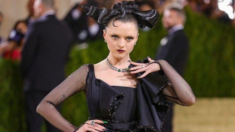 Maisie Williams in a Matrix-inspired dress