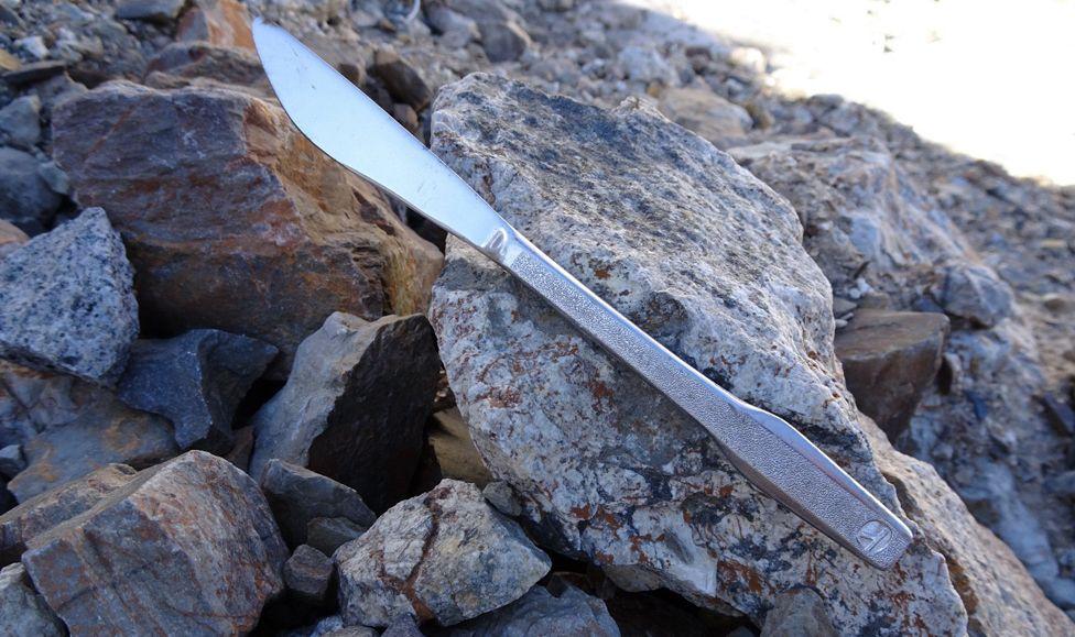 Los amigos también encontraron cubiertos que pertenecieron al vuelo 980 de Eastern Airlines. Futrell/Stoner