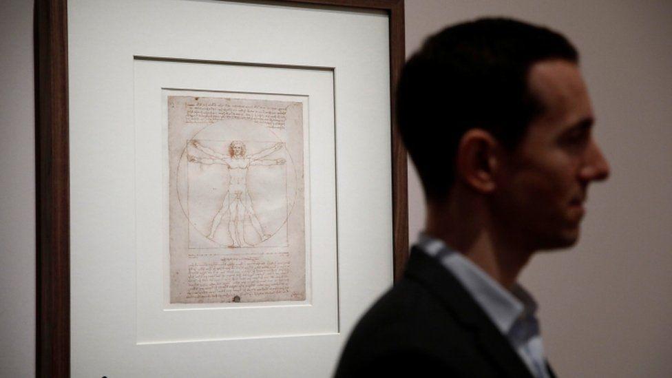 """малюнок """"Вітрувіанська людина"""" в Луврі"""