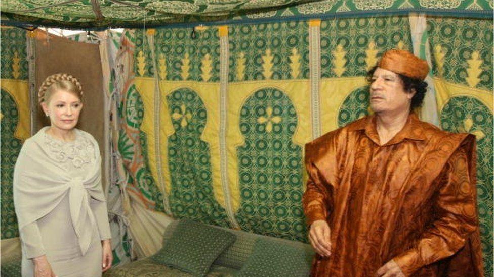 У пошуках альтернативних російським енергоносіїв ЮліяТимошенко відвідує лівійського лідера Каддафі