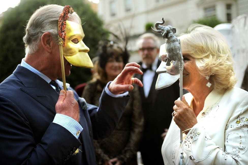 Prince of Wales and Duchess of Cornwall with face masks