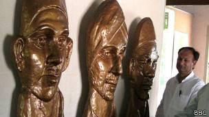 भगत सिंह, सुखदेव, राजगुरु की प्रतिमाएँ