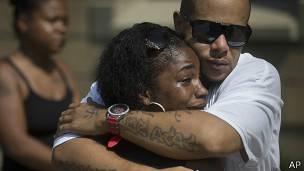 Amigos de DuBose lloran en su funeral