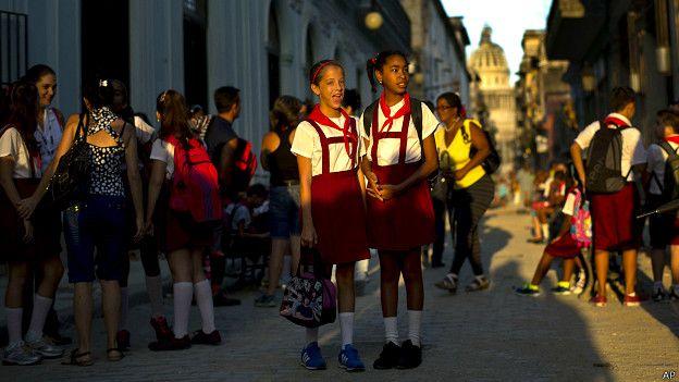 Estudiantes en Cuba