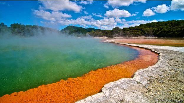 Dünyada görmeniz gereken ilginç göller 10
