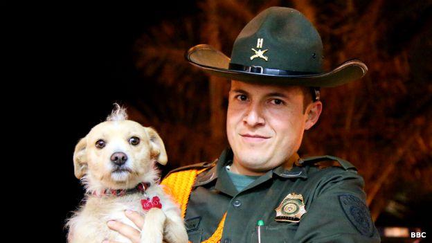 Teniente Andrey Pinzón Trujillo y su perro Beto