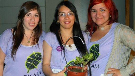 Chilenas creadoras del dispositivo E-Kaia