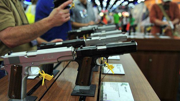 Exhibición de pistolas Ruger