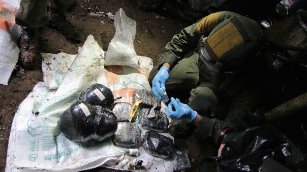 Policía examina sustancia