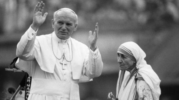 Mẹ Teresa và Đức giáo Hoàng Gioan Phaolo II tại Kolkata