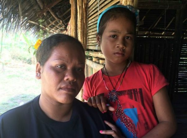 Niña malaya y su madre