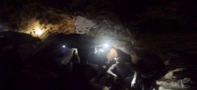 Des mineurs à des dizaines de mètres sous terre