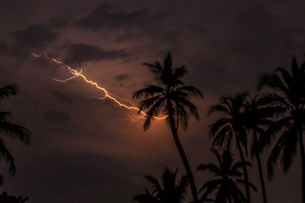 Al año ocurren 297 tormentas eléctricas sobre el lago de Maracaibo, al occidente de Venezuela.