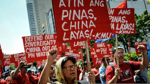 Người Philippines biểu tình phản đối các tuyên bố chủ quyền củaTrung Quốc ở Biển Đông