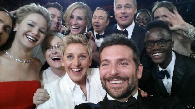El famoso selfie de Ellen DeGeneres en la entrega de los Oscar en 2014