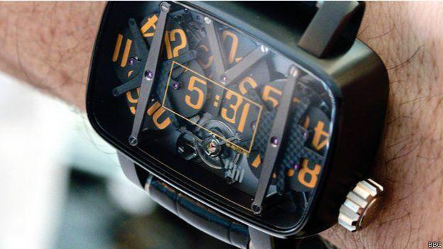 Reloj de la compañía independiente 4N