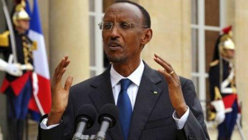 Le chef des services de renseignements du  Rwanda, Emmanuel Karenzi Karake, poursuivi pour crimes de guerre par la justice  espagnole, a été arrêté samedi à Londres.