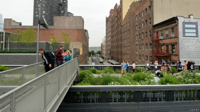 El parque High Line de Nueva York, inaugurado recientemente